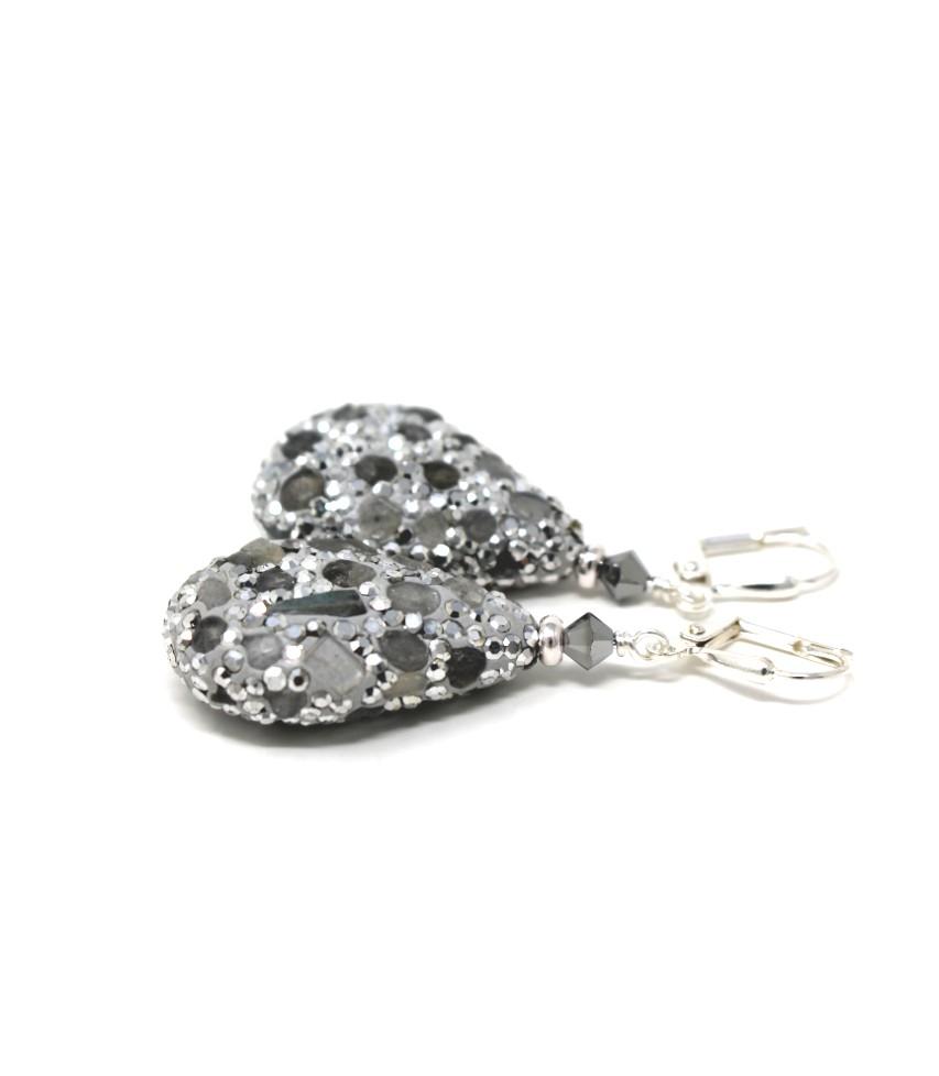 https://www.kkajoux.com/product/apache-green-petal-earrings-short/